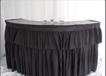 6 ft Bar Black with Curtain $90